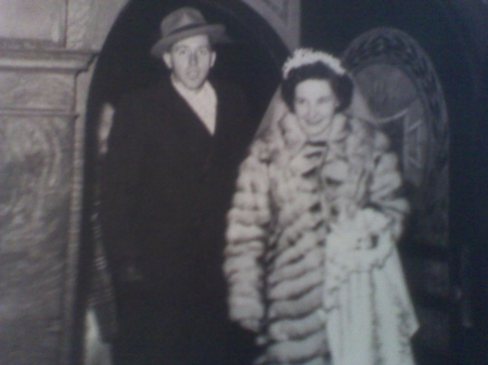 Howard & Lucille Pennington, on their wedding day in 1946.